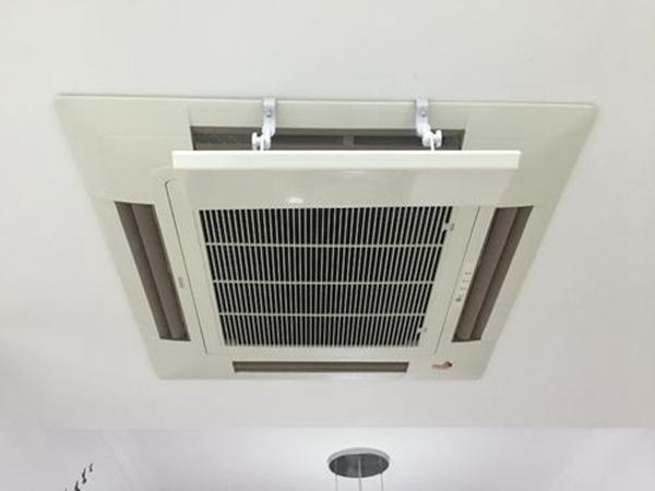 家用吸顶式空调