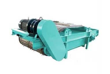 永磁除铁器利用磁铁吸附铁制品的特性进行除铁更加方便