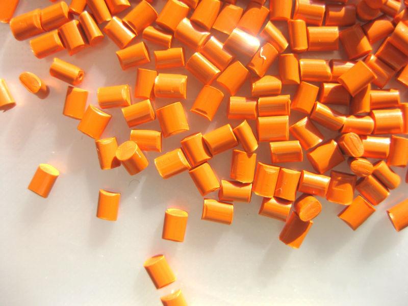 浙江金华黑色母厂家山东鲁燕色母粒带您了解使用色母粒后颜色过深或过浅的原因有哪些