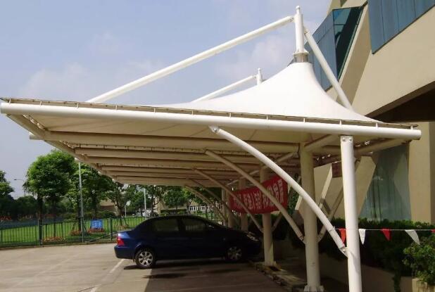 云南德宏膜结构工程公司制作膜结构车棚的细节