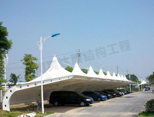 云南曲靖膜结构停车棚如何安装和保养?