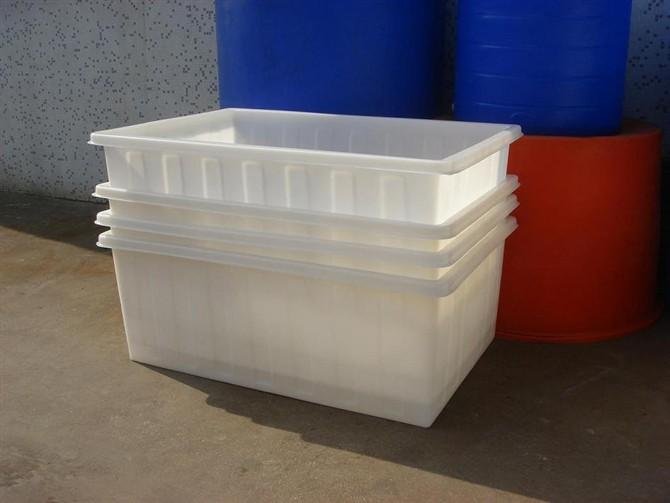 储藏或使用过程中劣质的塑料桶很容易被化学