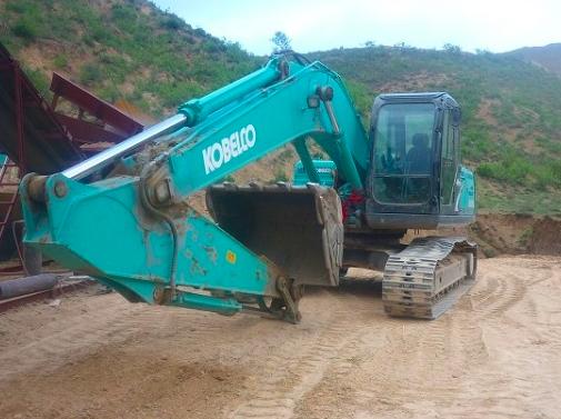 神钢60-3挖掘机全部动作慢速度慢故障维修