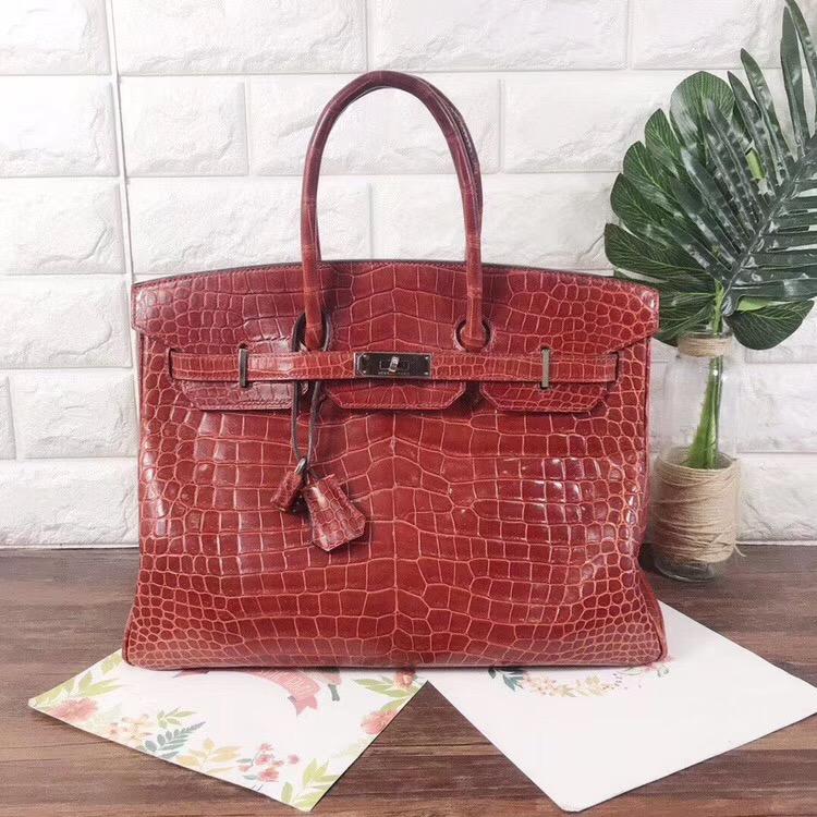 奢侈品回收保值的品牌经典包包是什么呢