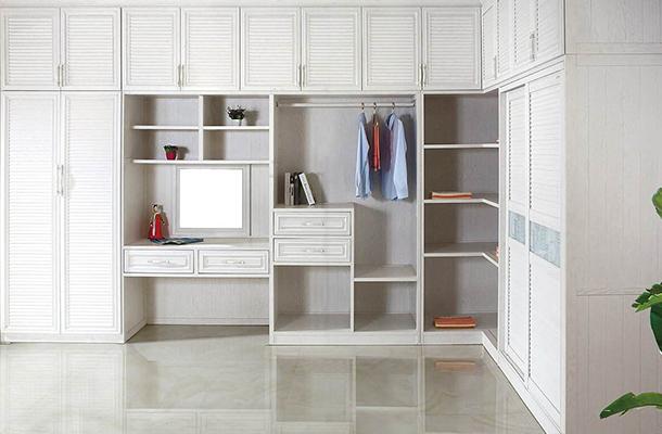 简约现代全铝衣柜
