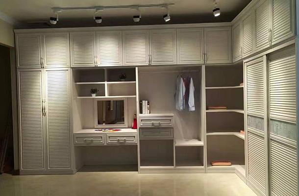 都会时髦齐铝衣柜