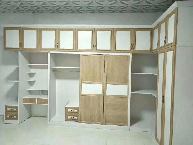 简约现代衣柜