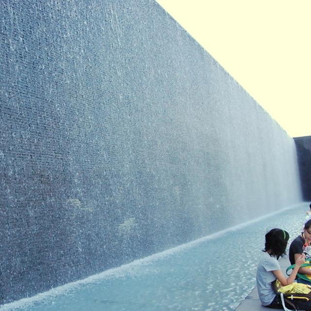 广场流水墙