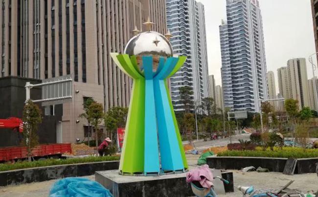 矗立在城市之中的不锈钢雕塑制作工艺是怎样的呢?