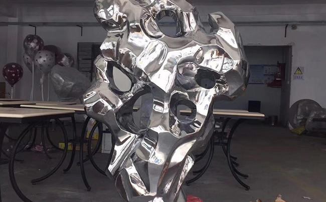 廈門不銹鋼雕塑的制作流程