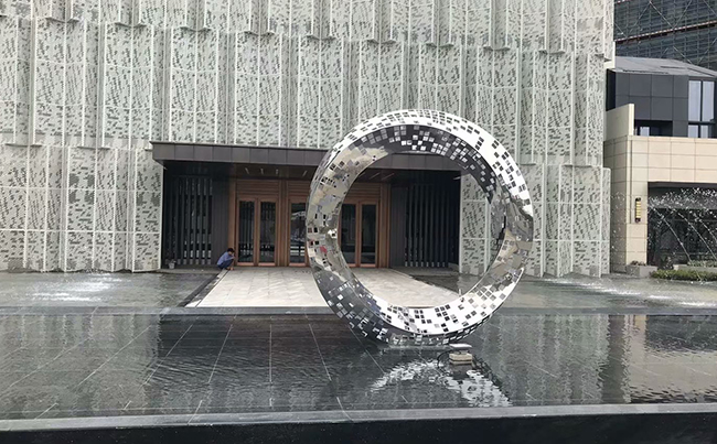 楼盘不锈钢雕塑
