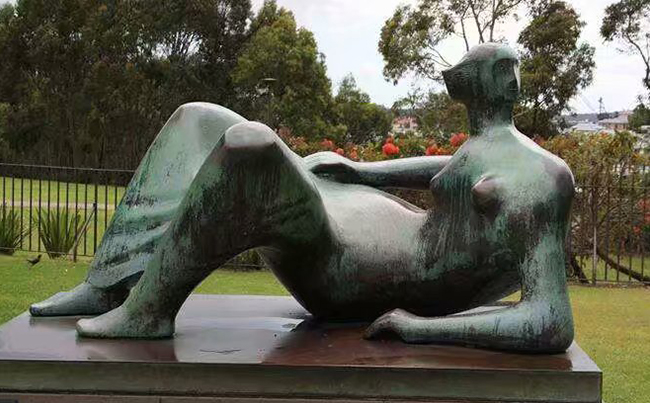 铸铜人像雕塑