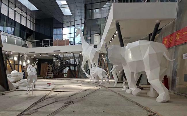 玻璃钢商场雕塑