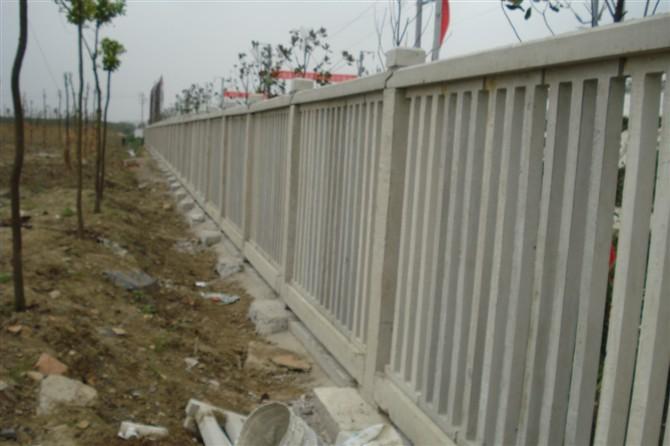 昆明铁路防护栏价格