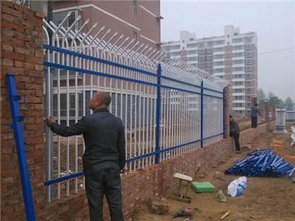 围墙护栏安装施工案例