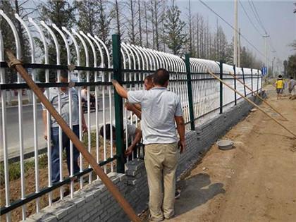 贵州路边护栏网施工安装