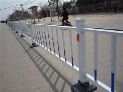 买阳锌钢护栏应该注意什么