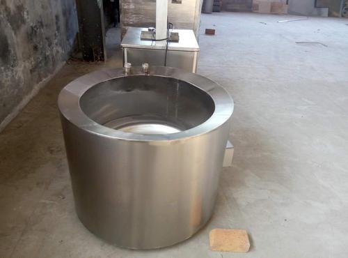 沈陽/大連松香鍋所采用的是電加熱管加熱