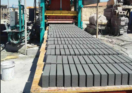 福建好的砖机厂家浅析免托板生产线