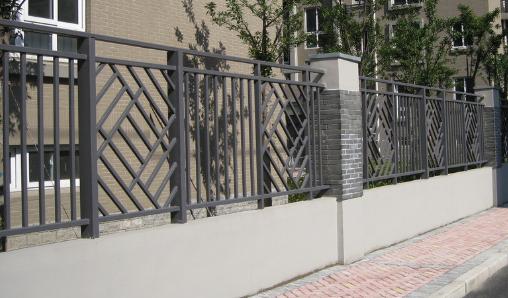 围墙护栏的优势有哪些