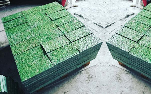 贵州水磨石讲讲什么是石英石?石英石板材的特征有哪些