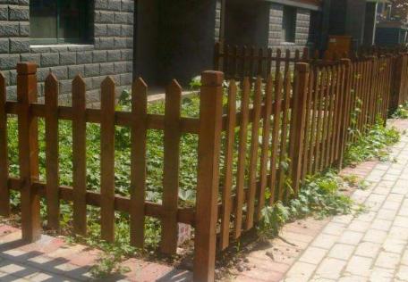 小区防腐木护栏