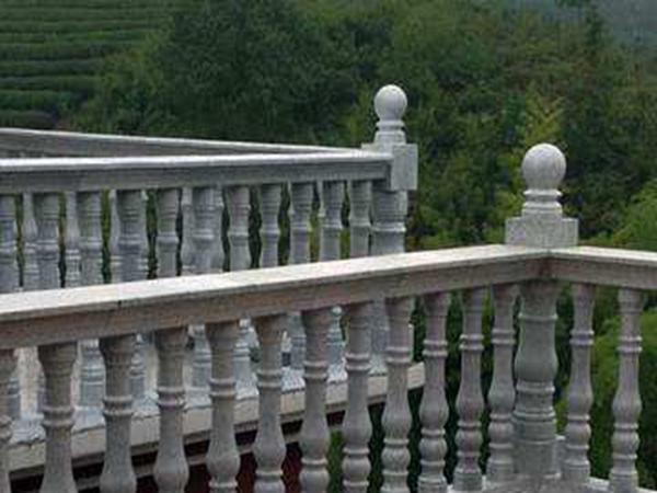 水泥护栏是具有艺术特征的产品