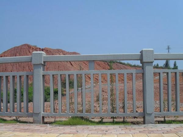 三台水泥栏杆