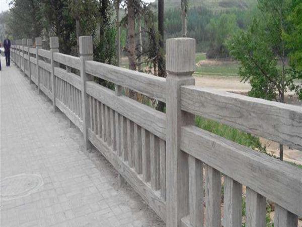 颜色多样品种齐全的仿木栏杆