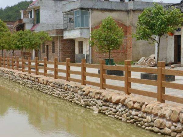 水泥仿木栏杆仿木纹是怎么制作的呢
