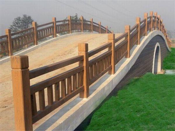 仿木护栏检查和维修的相关事项