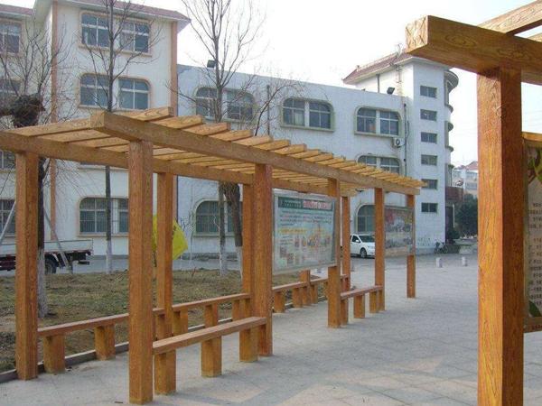 仿木护栏建设与运用