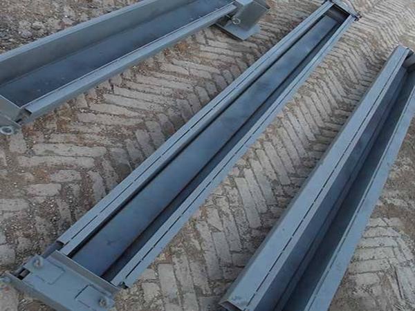 高铁水泥护栏施工