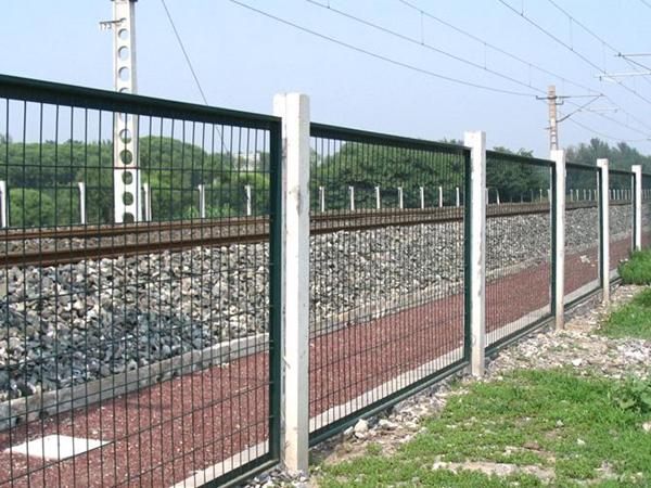 三台高铁水泥护栏模具