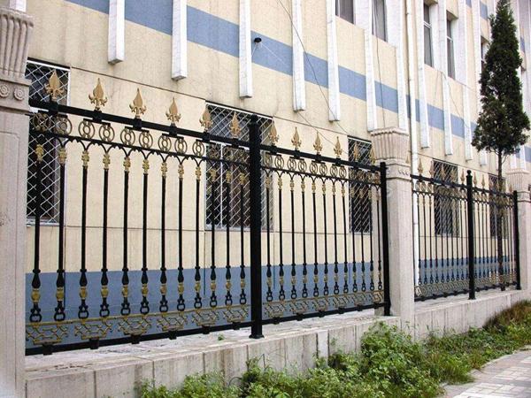 三台铁艺阳台护栏