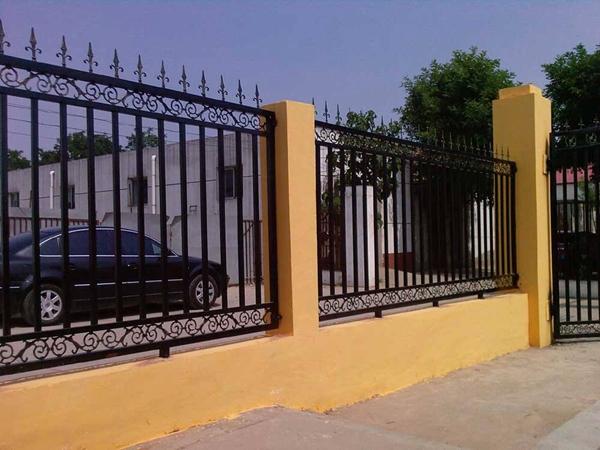 三台铁艺大门护栏