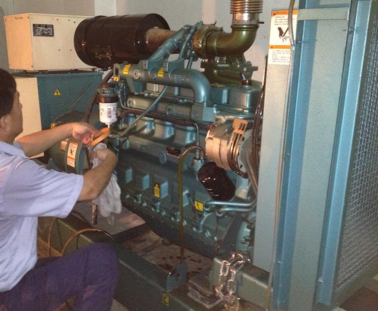 汽油发电机组维修