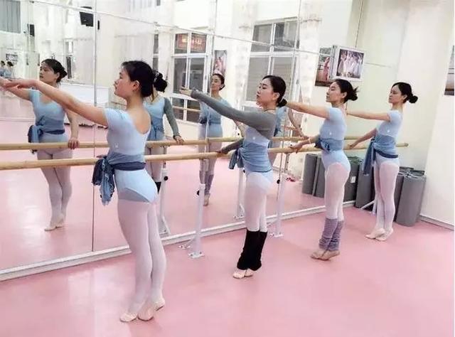 舞蹈地板什么样?舞蹈地板优势有哪些?