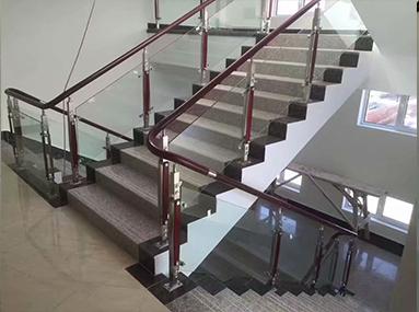 楼梯扶手哪种材质好