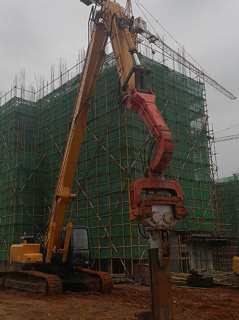 西安东郊楼盘钢板桩施工