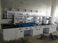 实验室中央实验桌安装现场
