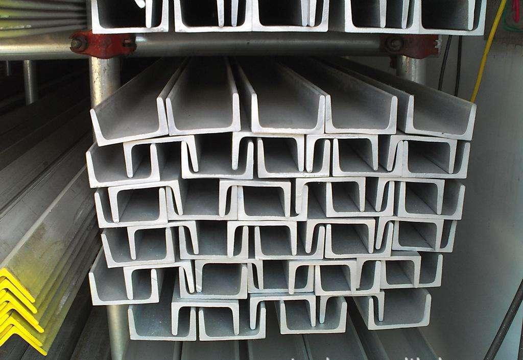 陕西槽钢厂家为您讲解镀锌槽钢的特点及应用范围