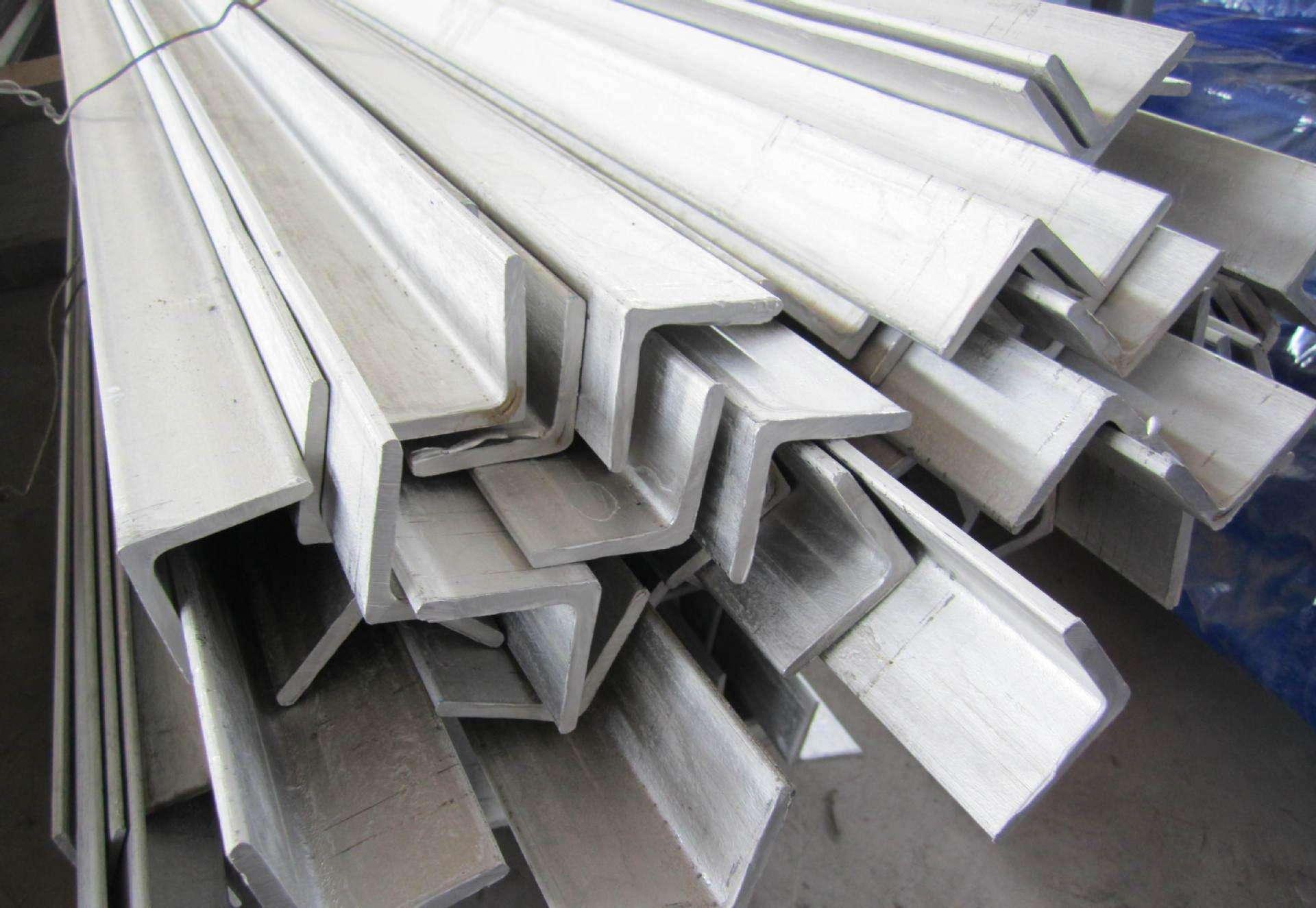 陕西宏鑫源为大家讲解角钢以及角钢的种类规格