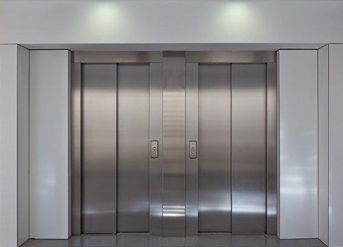"""乘客電梯里為什么要""""放鏡子""""?"""
