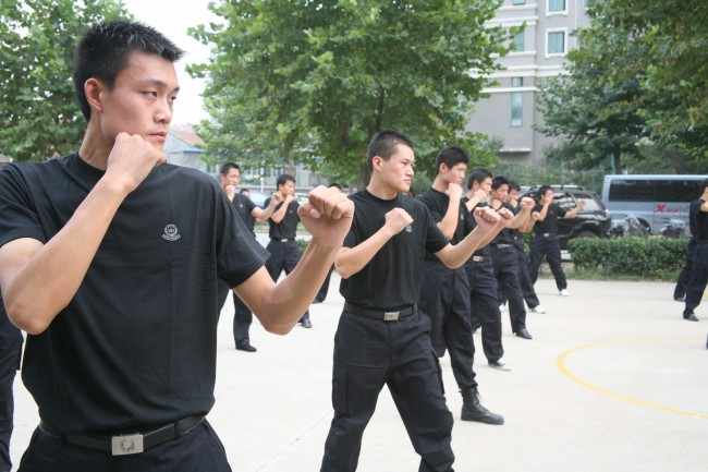 西安最专业的保镖服务公司首选龙盾安防公司