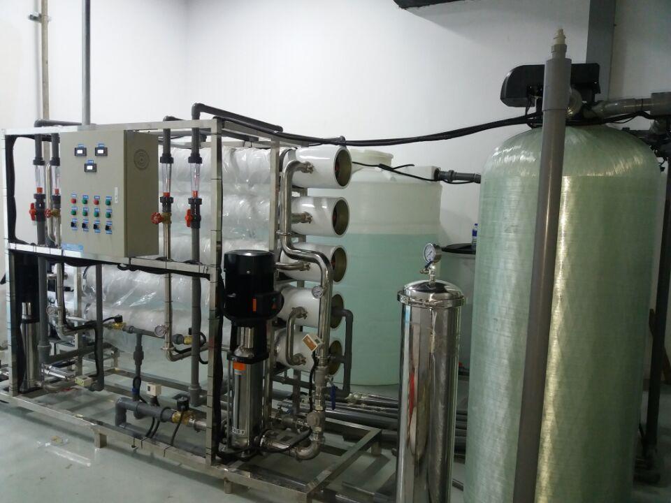 大型高纯水反渗透水处理设备的10大特点