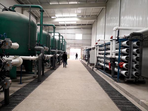 安装好两套2×60吨将近两年的水处理设备,终于要调试了!