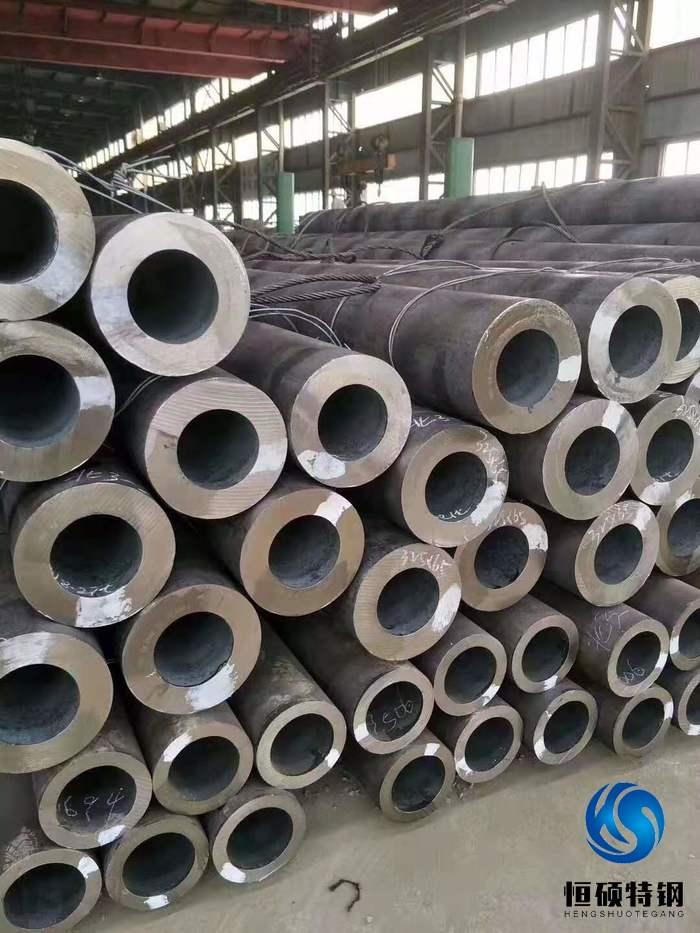 國內鋼廠無縫鋼管產量及銷售量對比