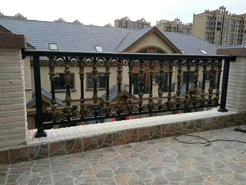 阳台铝艺护栏