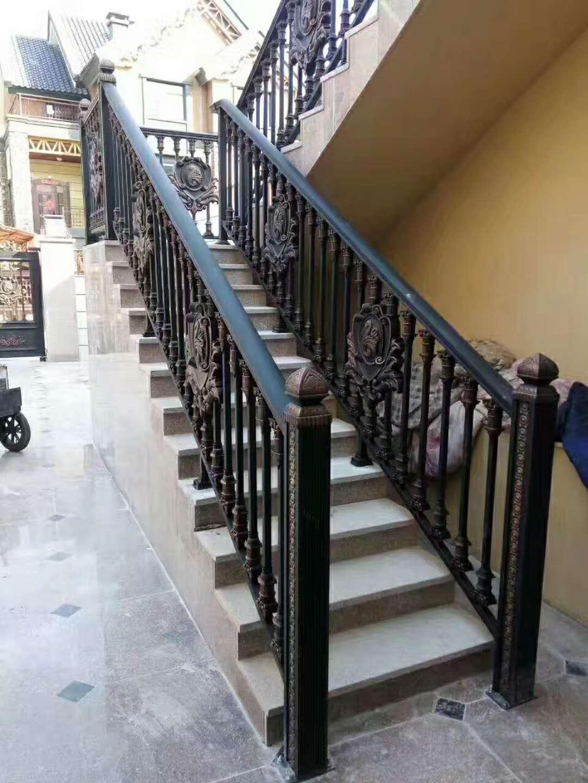室外楼梯铝艺护栏
